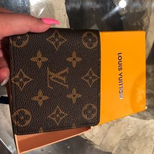 Other - Mens wallet